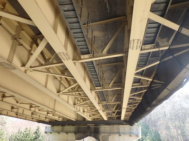 画像:中央自動車道(特定更新等) 小早川橋他1橋(下り線)床板取替工事